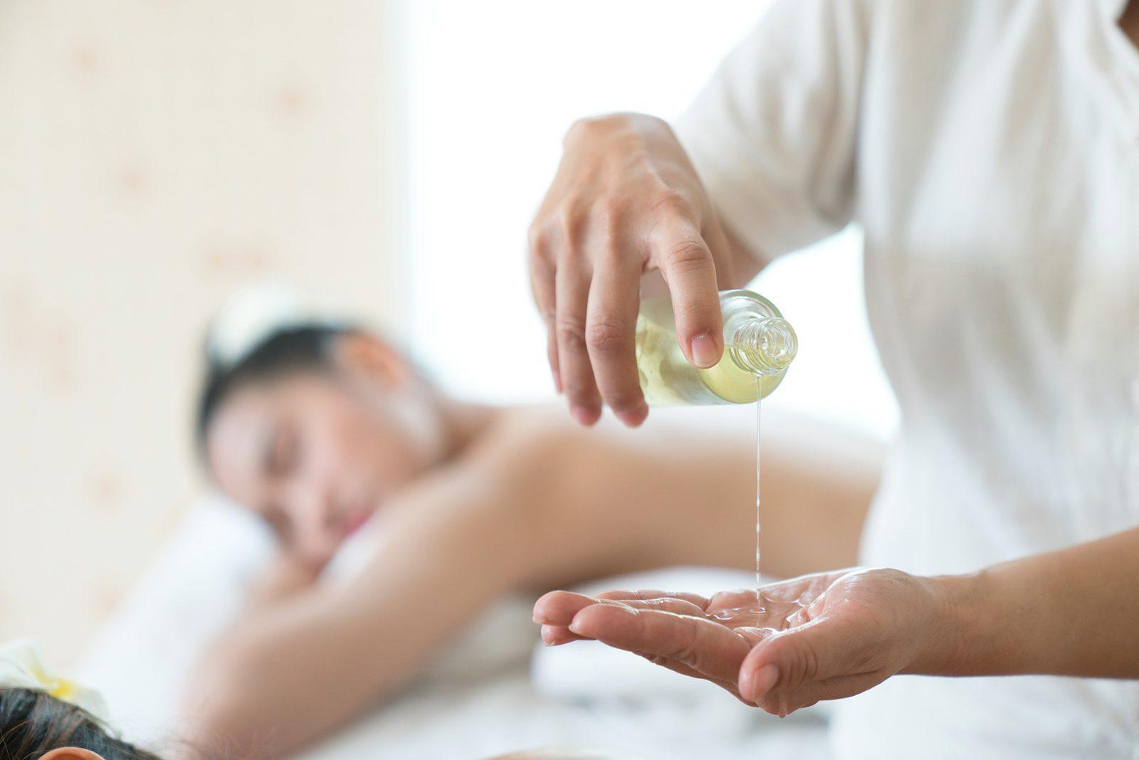 Aromatic Full Body Massage - Medi Spa